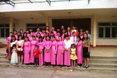 Tập thể nữ giáo viên nhà trường( năm học 2013-2014)